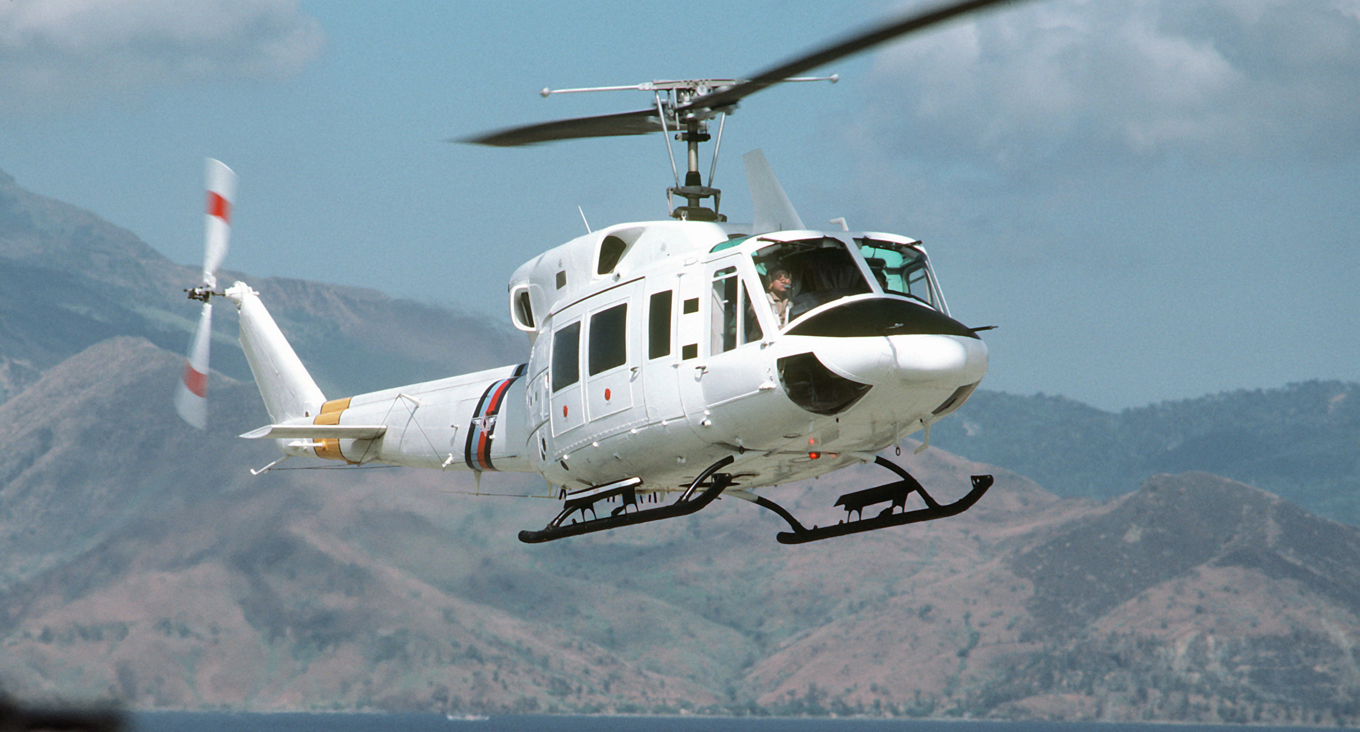 bell 430 helicopter for sale with File Uh 1n 3 on 32911 as well Bell 427 Helicopter For Sale 1 in addition File UH 1N 3 as well 44 further 2006 Eurocopter EC130 B4.