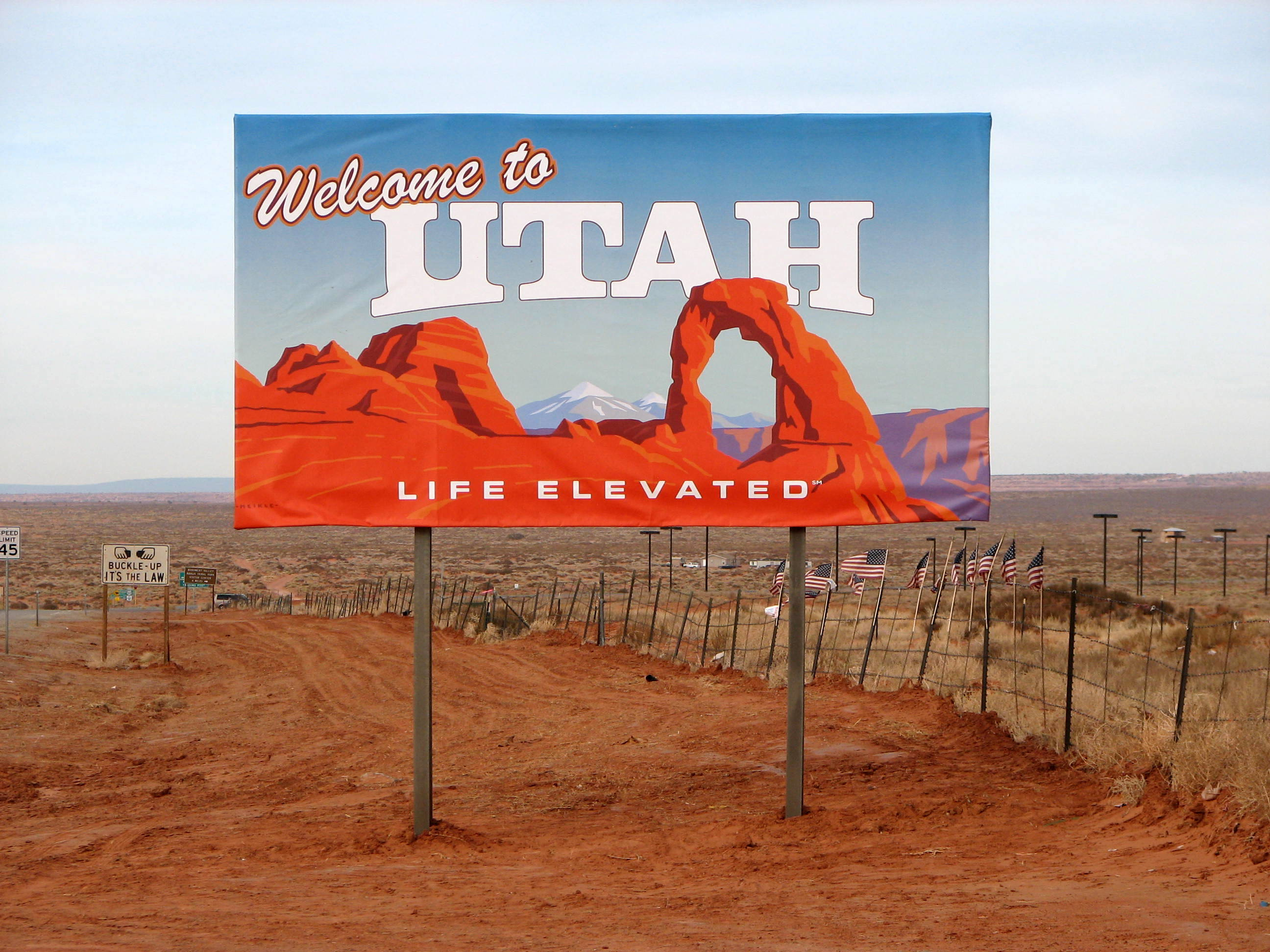 Description Utah border sign.jpg