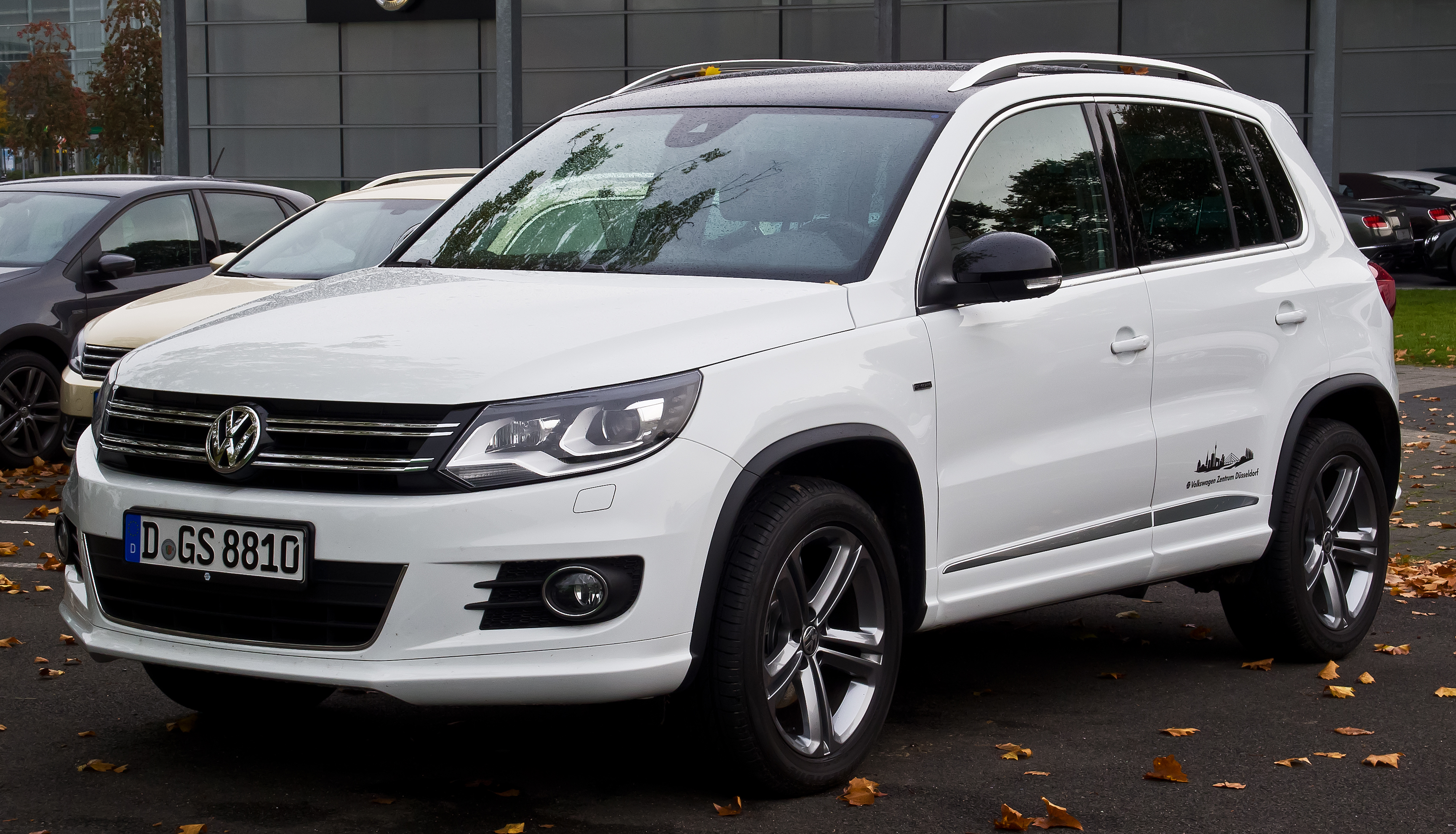 File:VW Tiguan 2.0 TDI 4MOTION CITYSCAPE (Facelift ...