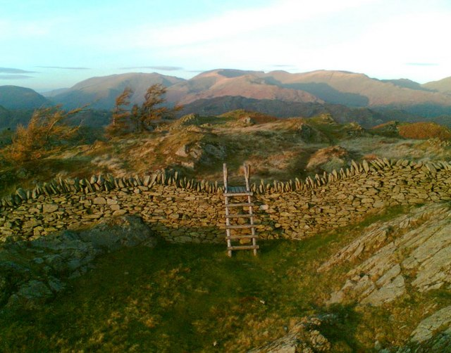 Wall and stile, Black Crag summit - geograph.org.uk - 276094