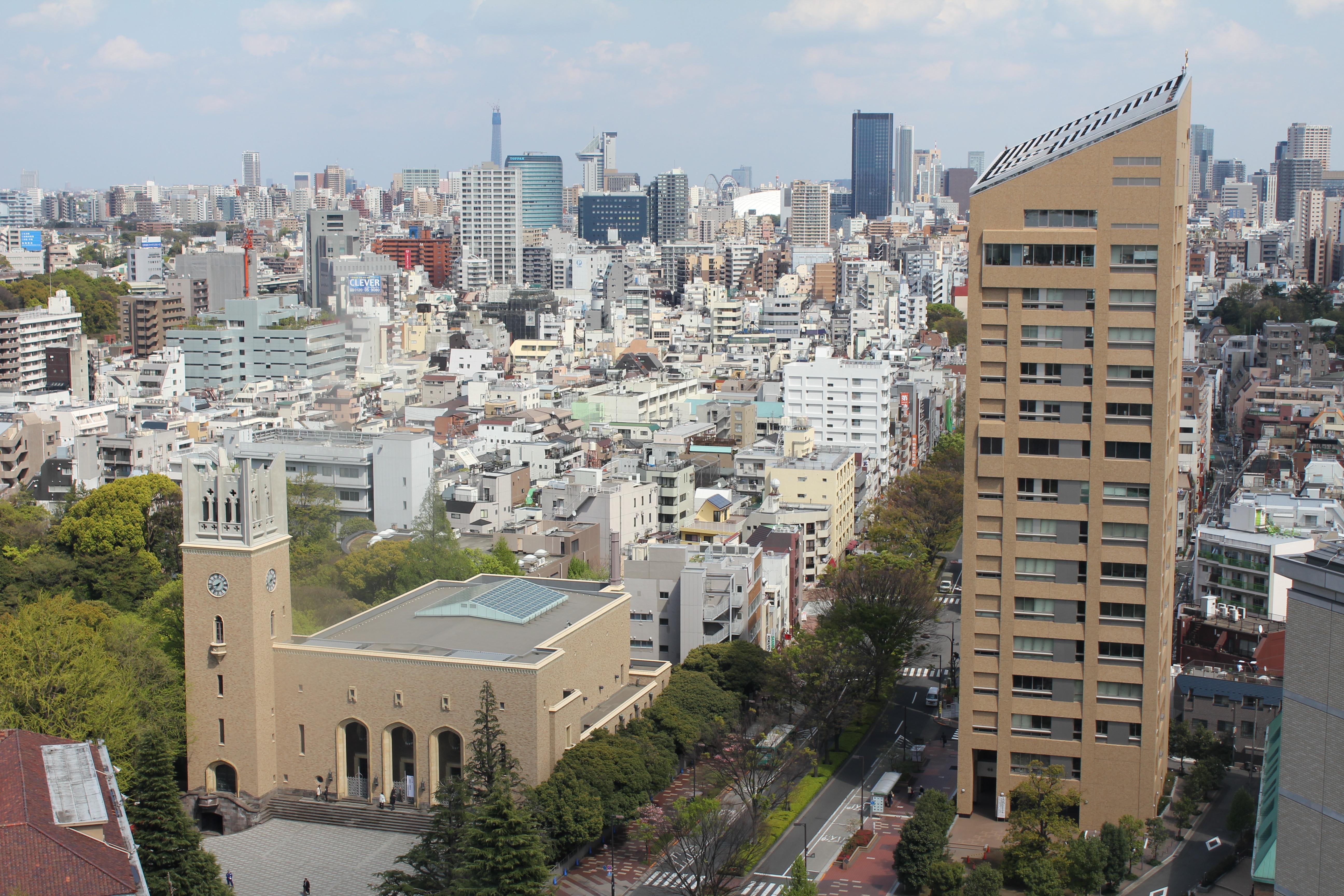 File:Waseda University - Okuma auditorium and Okuma tower JPG