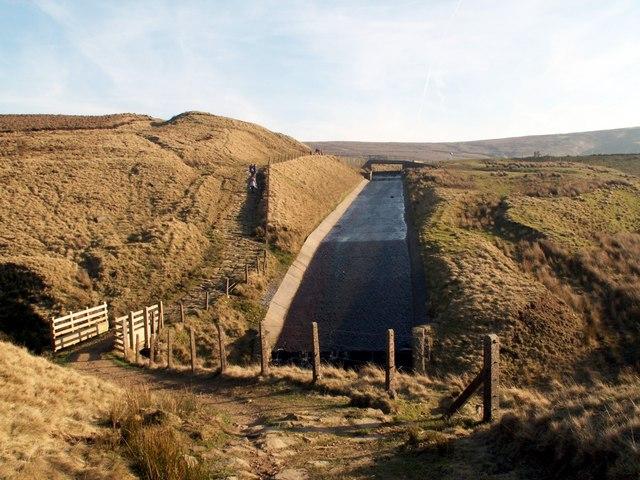 Wessenden Head Reservoir spillway - geograph.org.uk - 685595