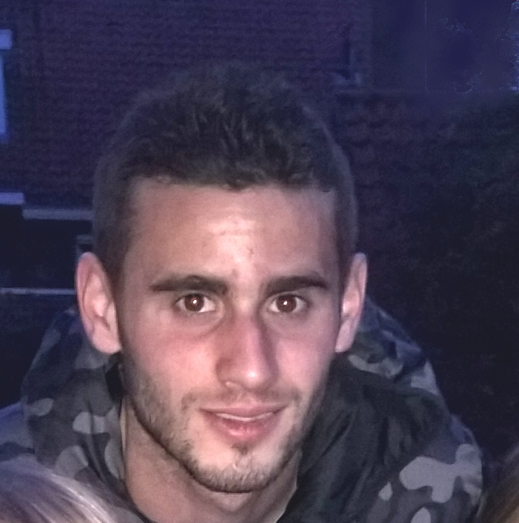 The 23-year old son of father (?) and mother(?) Gastón Pereiro in 2018 photo. Gastón Pereiro earned a  million dollar salary - leaving the net worth at 2 million in 2018