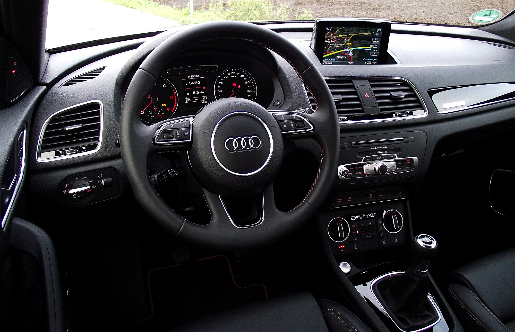 File 2015 audi q3 2 0 tdi quattro facelift typ 8u for Interieur wikipedia