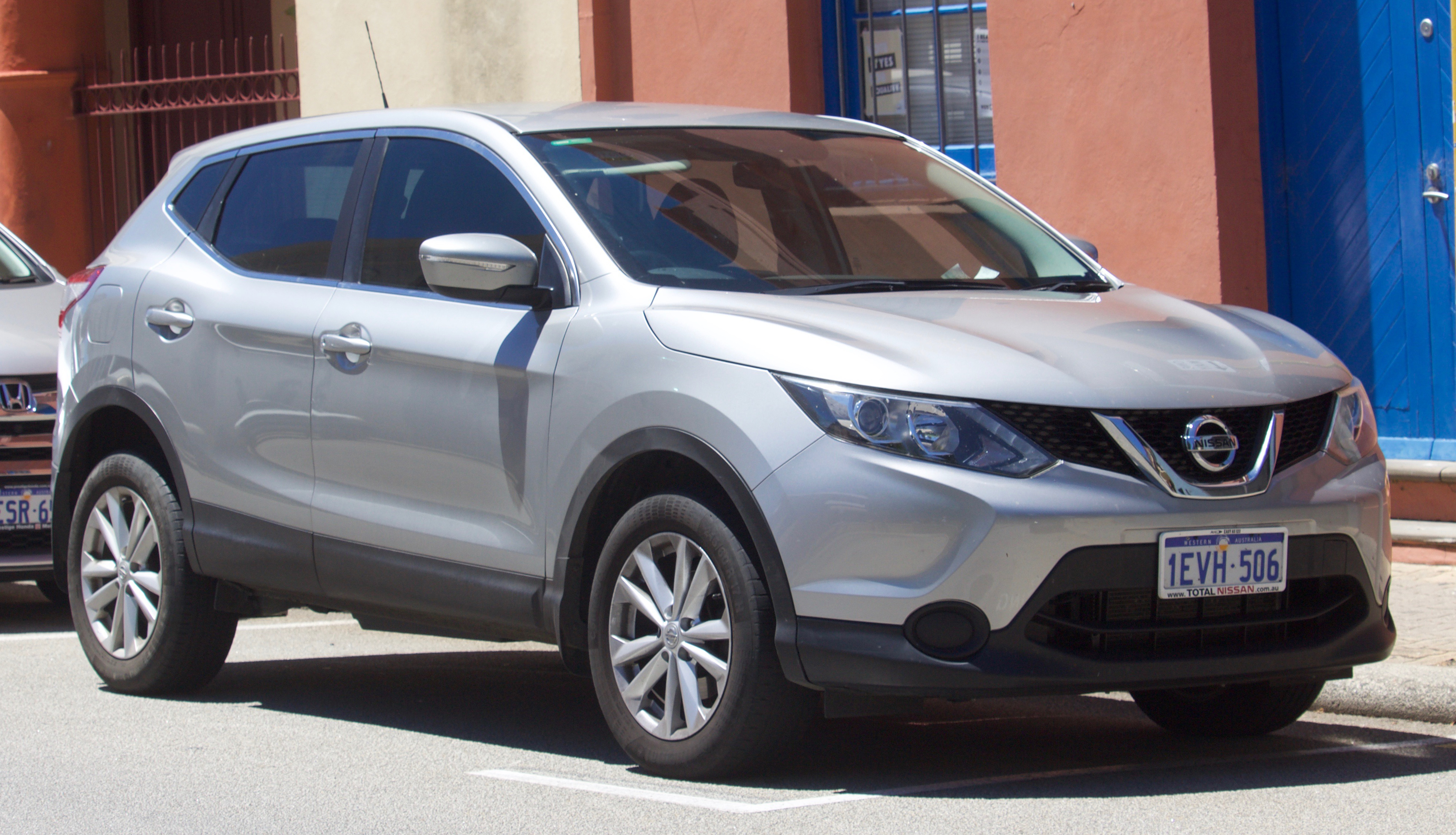 file 2015 nissan qashqai j11 st wagon 2017 11 18 wikimedia commons. Black Bedroom Furniture Sets. Home Design Ideas