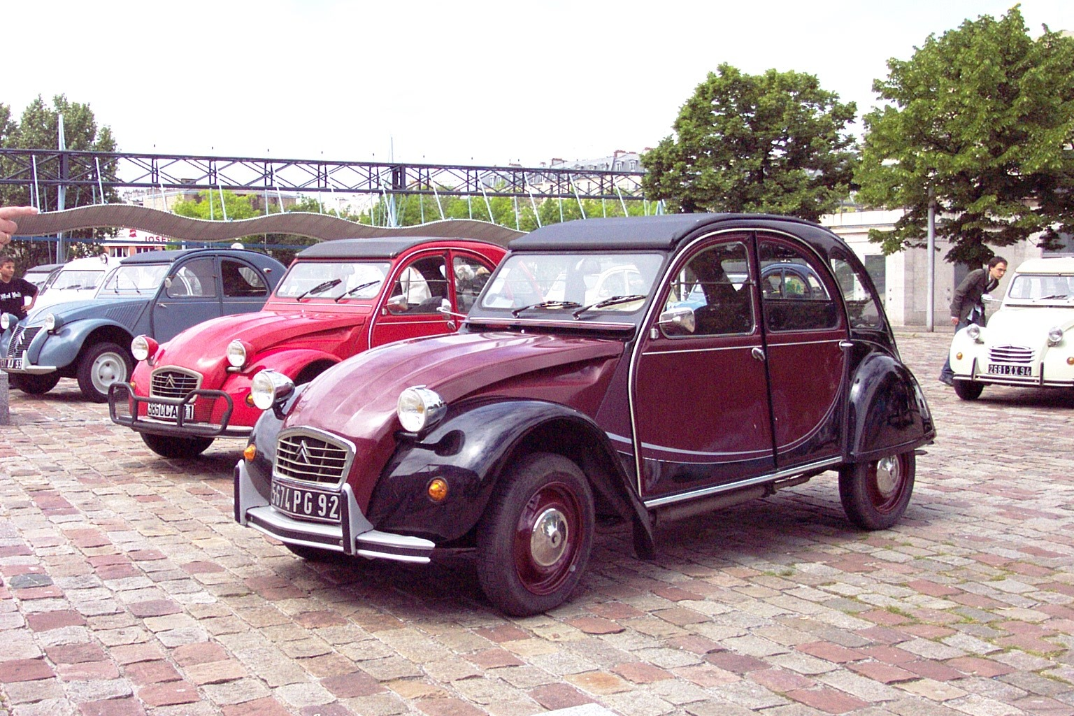 2cv charleston rouge noir