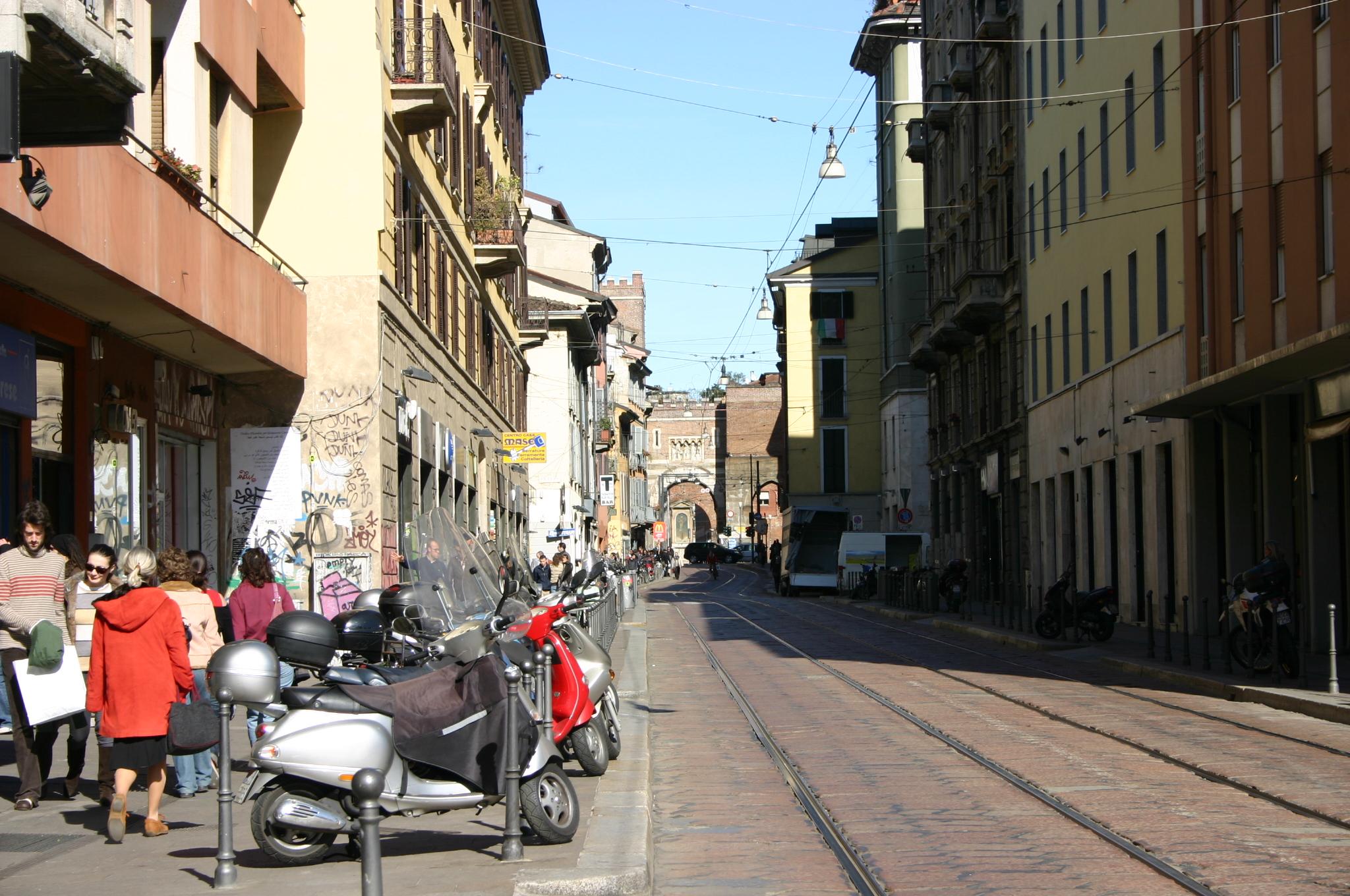 File 5900 milano corso di porta ticinese foto for Corso di porta genova milano