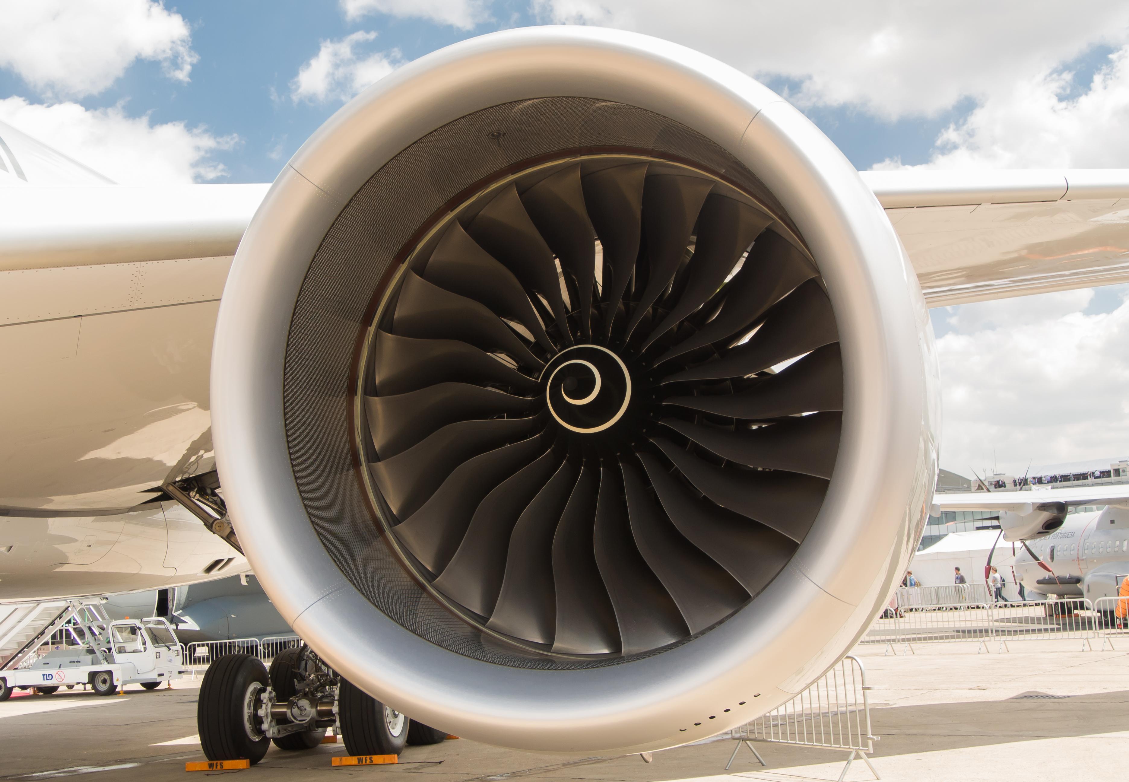 file airbus a350 a7 ald rolls royce trent xwb jpg wikimedia commons