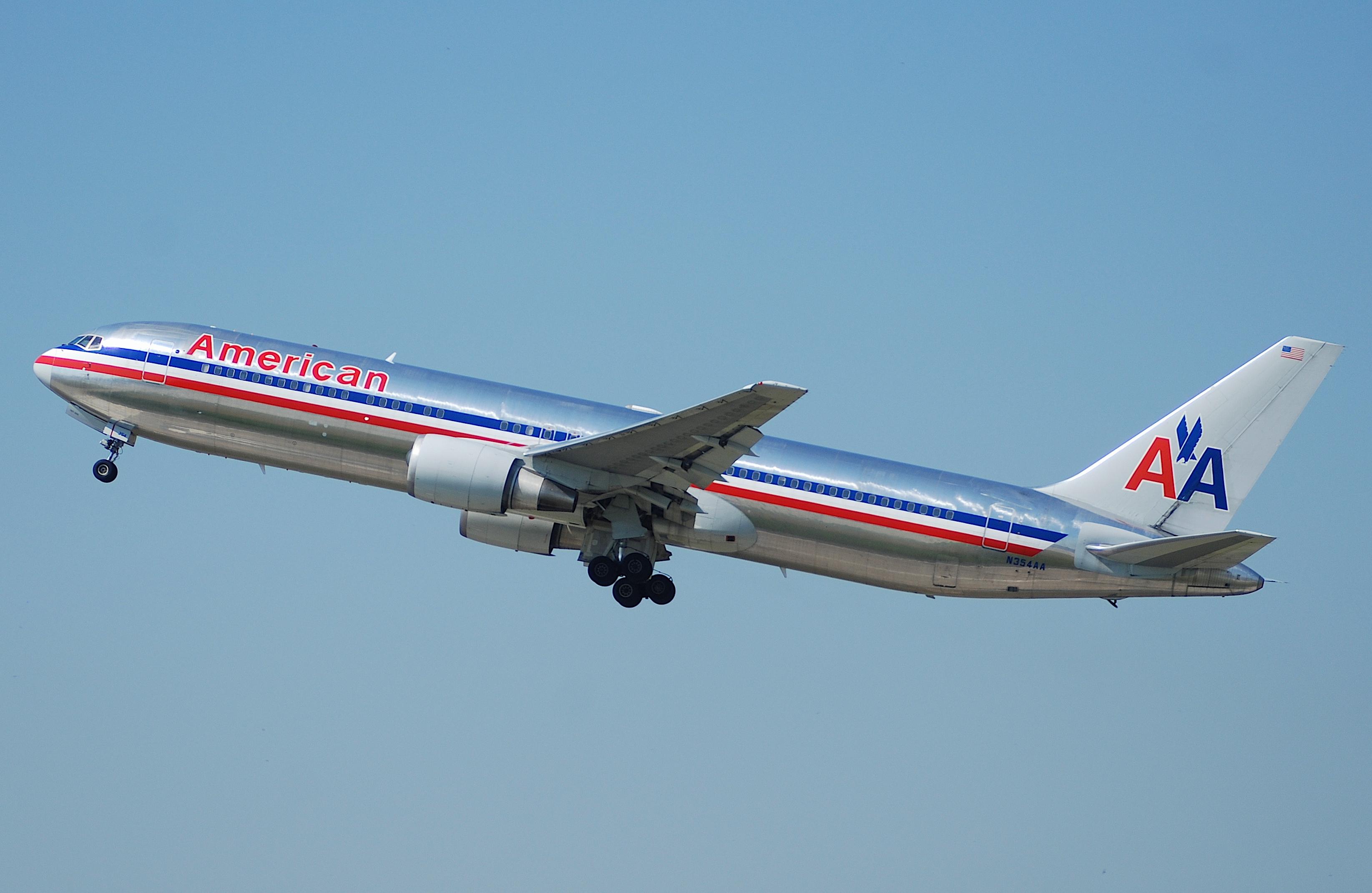 File:American Airlines Boeing 767-300, N354AA@ZRH,20.07 ...