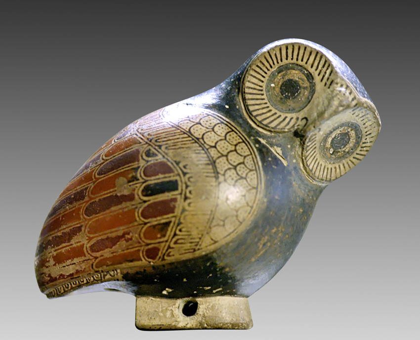 Owl-shaped protocorinthian aryballos