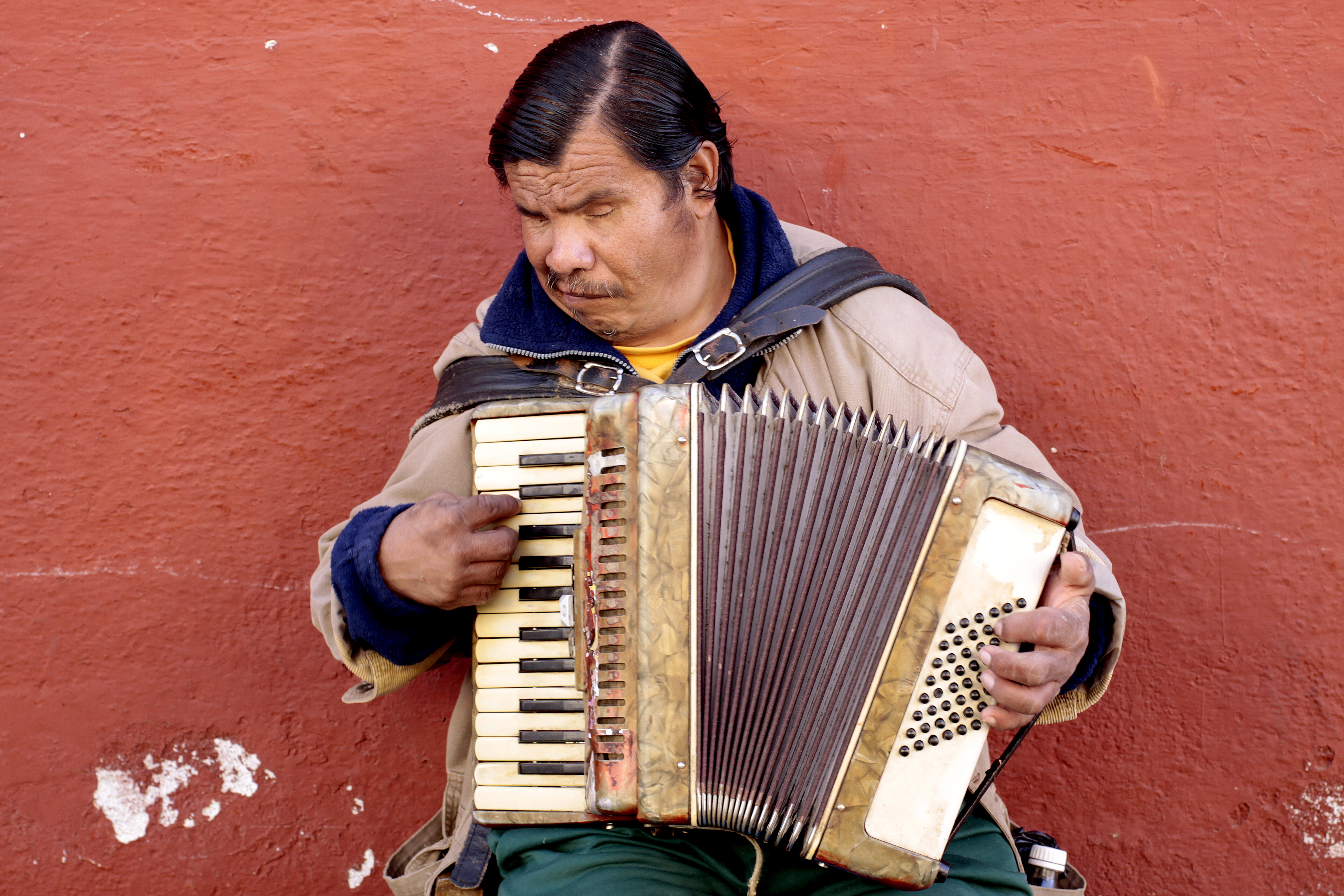 File Blind Accordion Player Jpg Wikimedia Commons