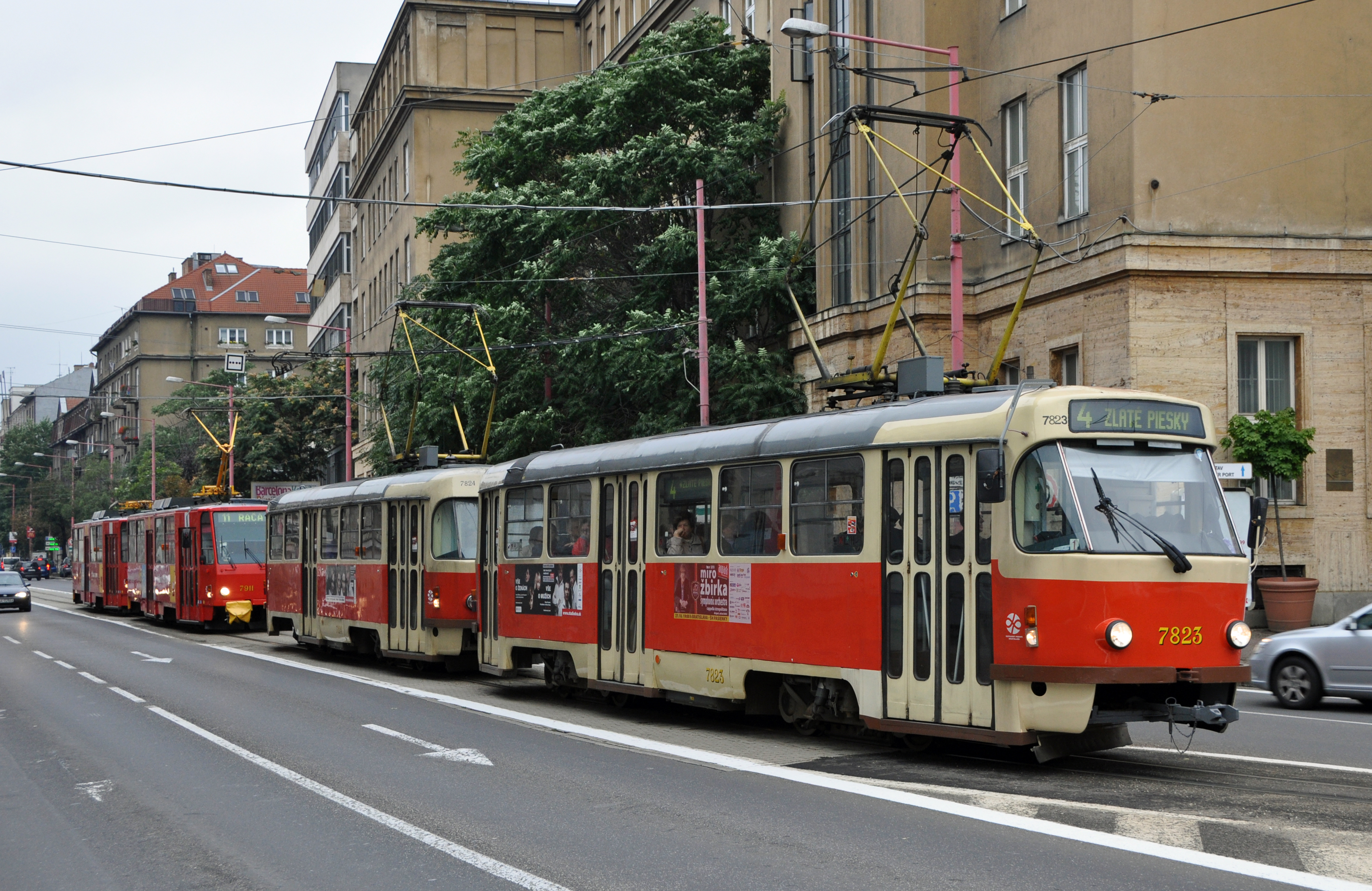 File:Bratislava tram R01.jpg - Wikimedia Commons