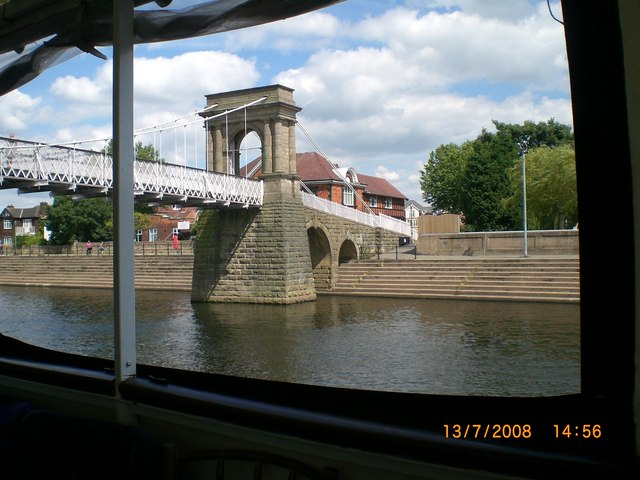 Bridge over River Trent West Bridgford - geograph.org.uk - 1129319