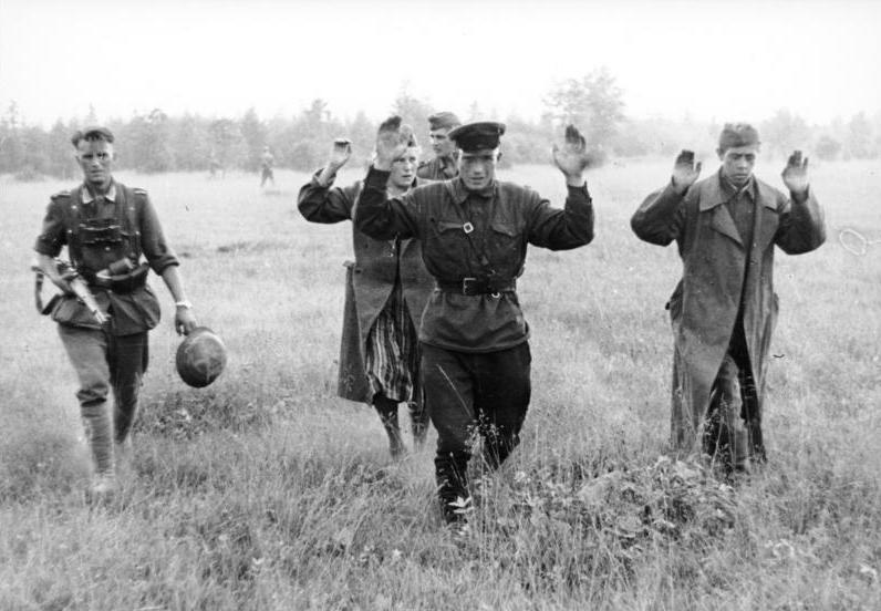 Bundesarchiv Bild 101I-010-0919-39, Russland, Nord, Gefangene Russen