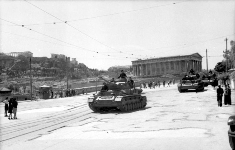 Panzer IVs driving in front of Hephaisteion