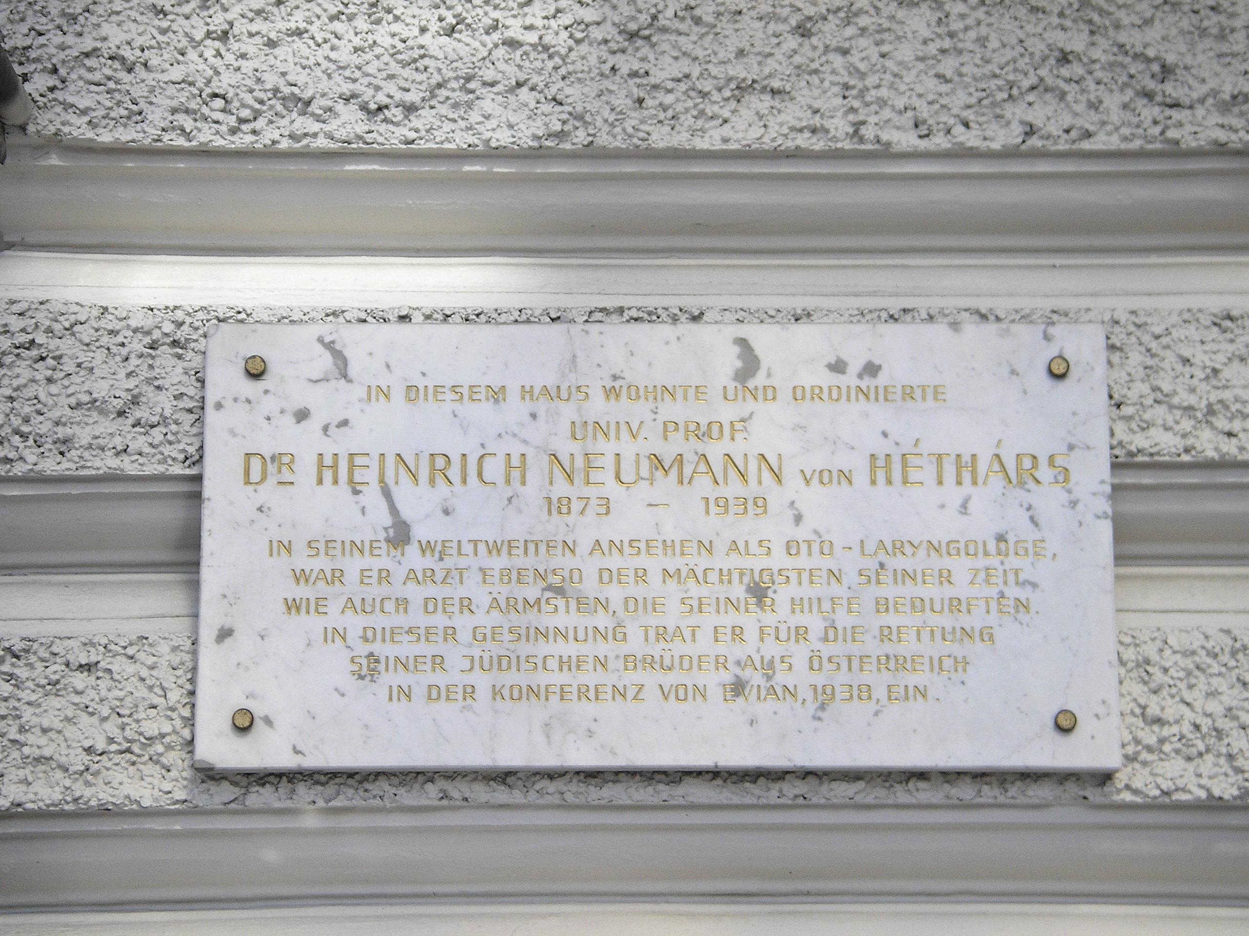 Café Landtmann Gedenktafel von Héthárs, Vienna.jpg