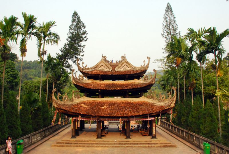 Tưng bừng trẩy hội chùa Hương