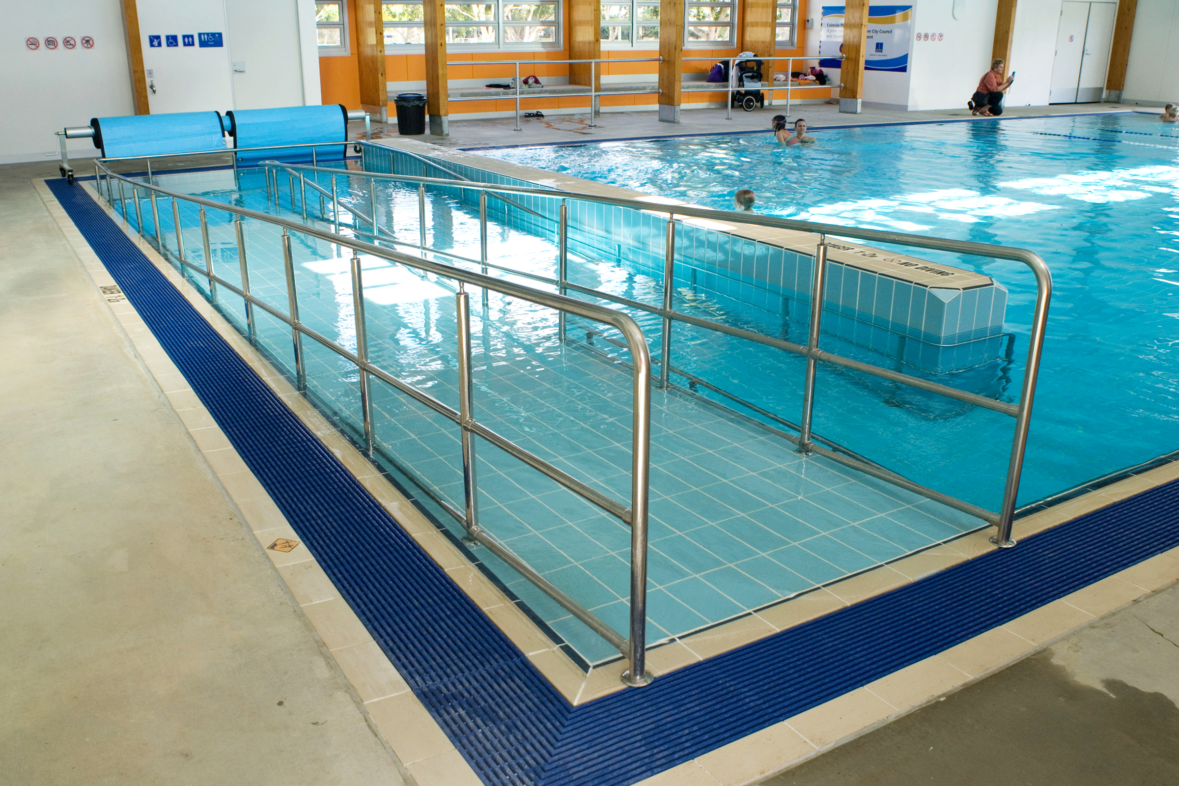 File:Colmslie Pool - indoor pool with disabled ramp (6983898375 ...