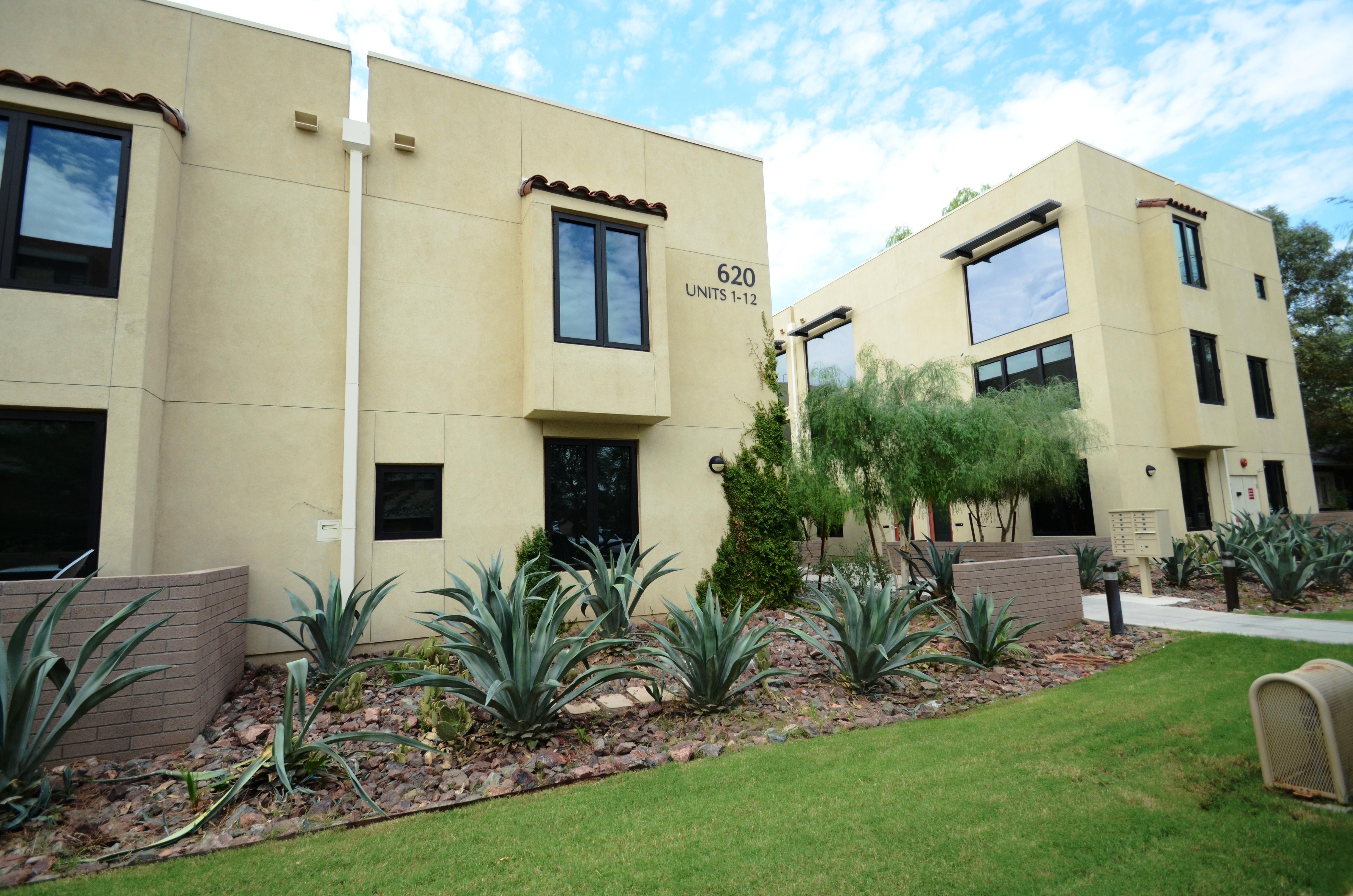 28 concrete block houses archier recycles 270 for Concrete block house