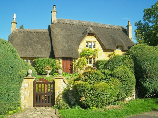 File Cotswold Cottage With Topiary Geograph Org Uk 235184 Jpg