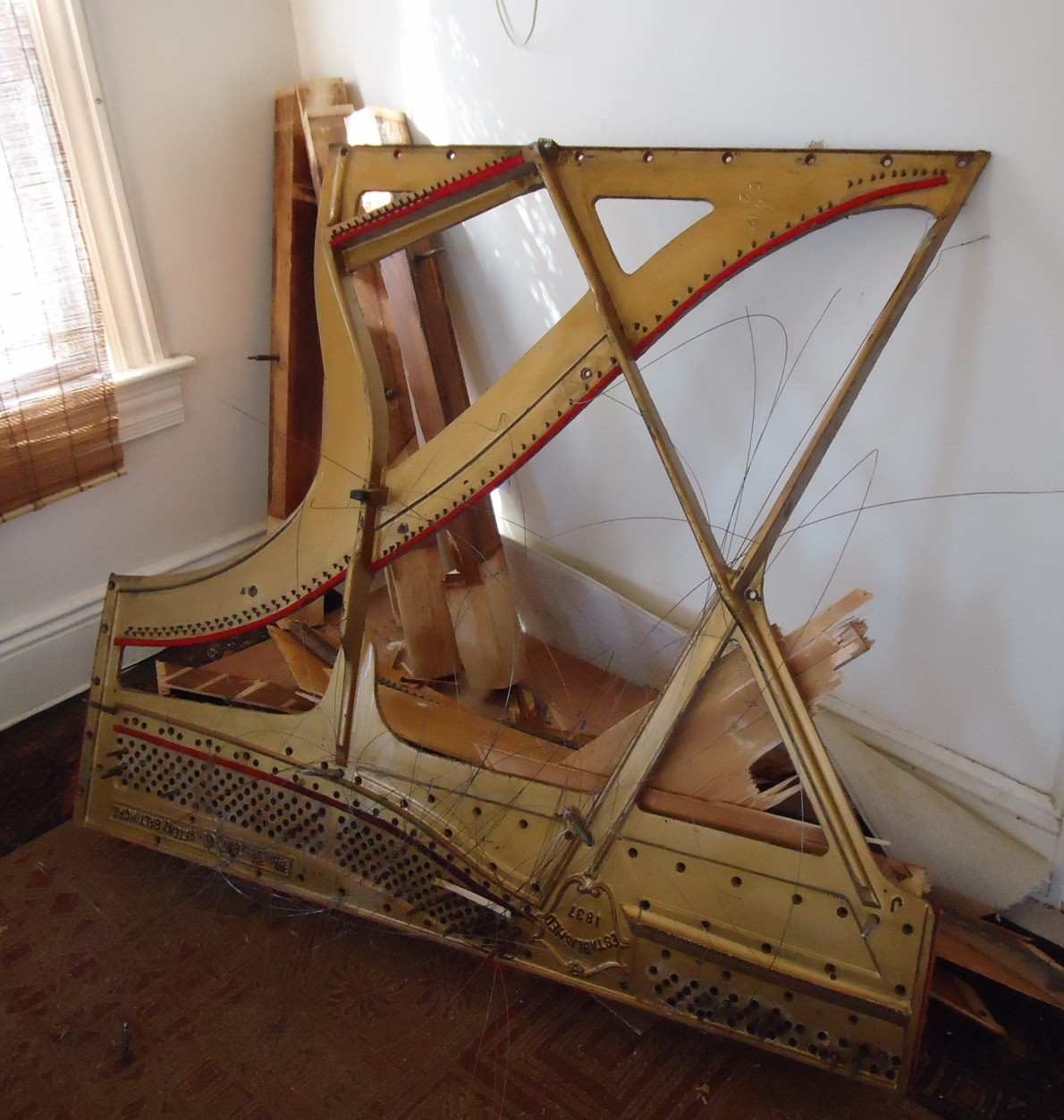File:Demolition of upright Knabe piano cast iron string frame.JPG ...