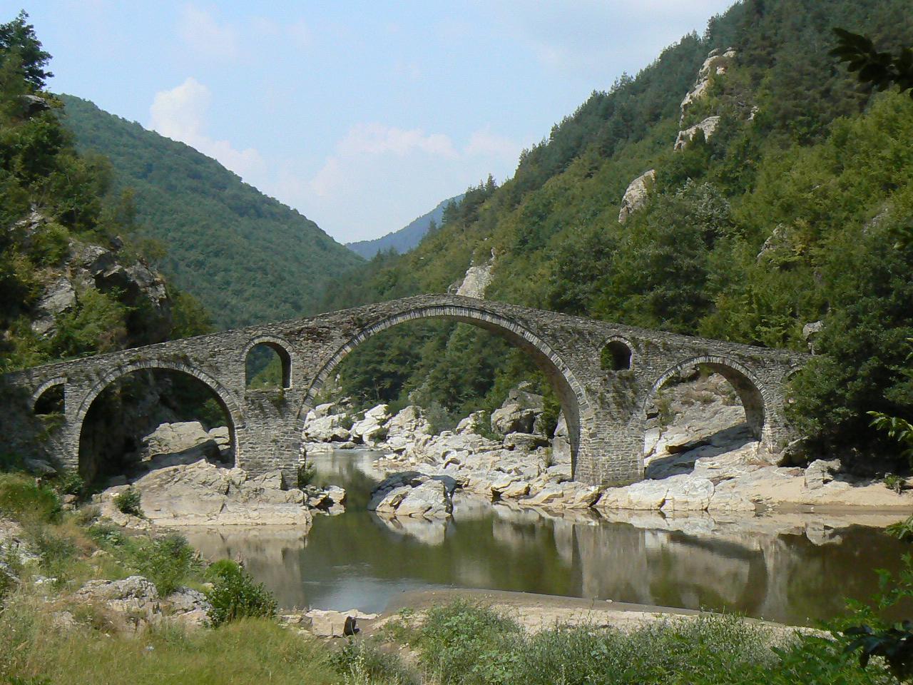 Bugarska - Page 2 Devils-bridge-Ardino1