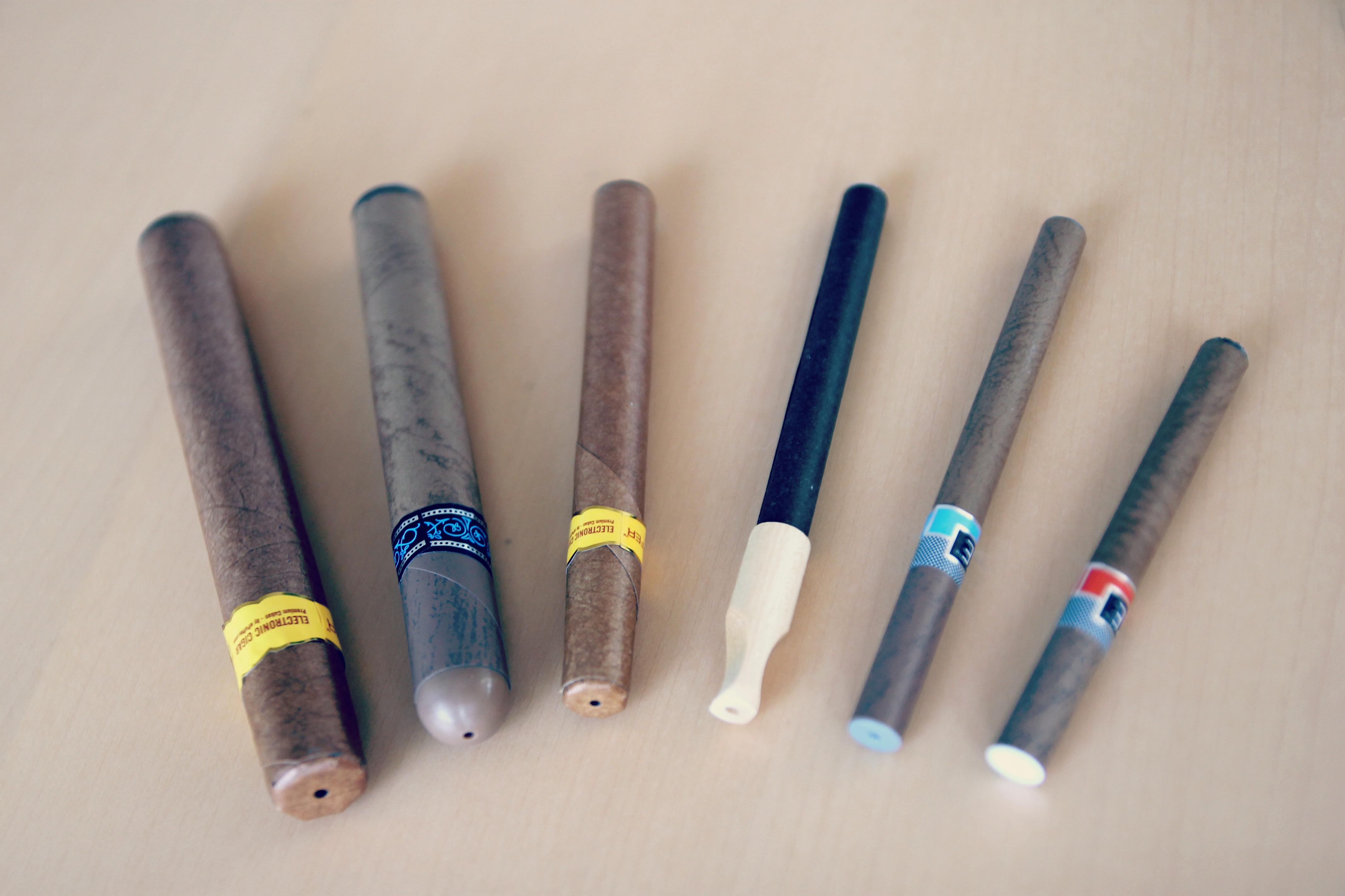 E-Cigarette-E-Cigar-E-Cigarillo-E-Black-E-Clove-Electronic_Cigarette-E-Cigs-E-Liquid-Vaping_%2816086396688%29.jpg?profile=RESIZE_710x