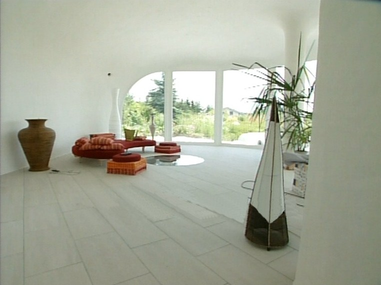 File:Earth house interior1.jpg