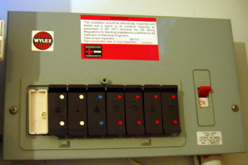 Consumer unit - Wikipedia on