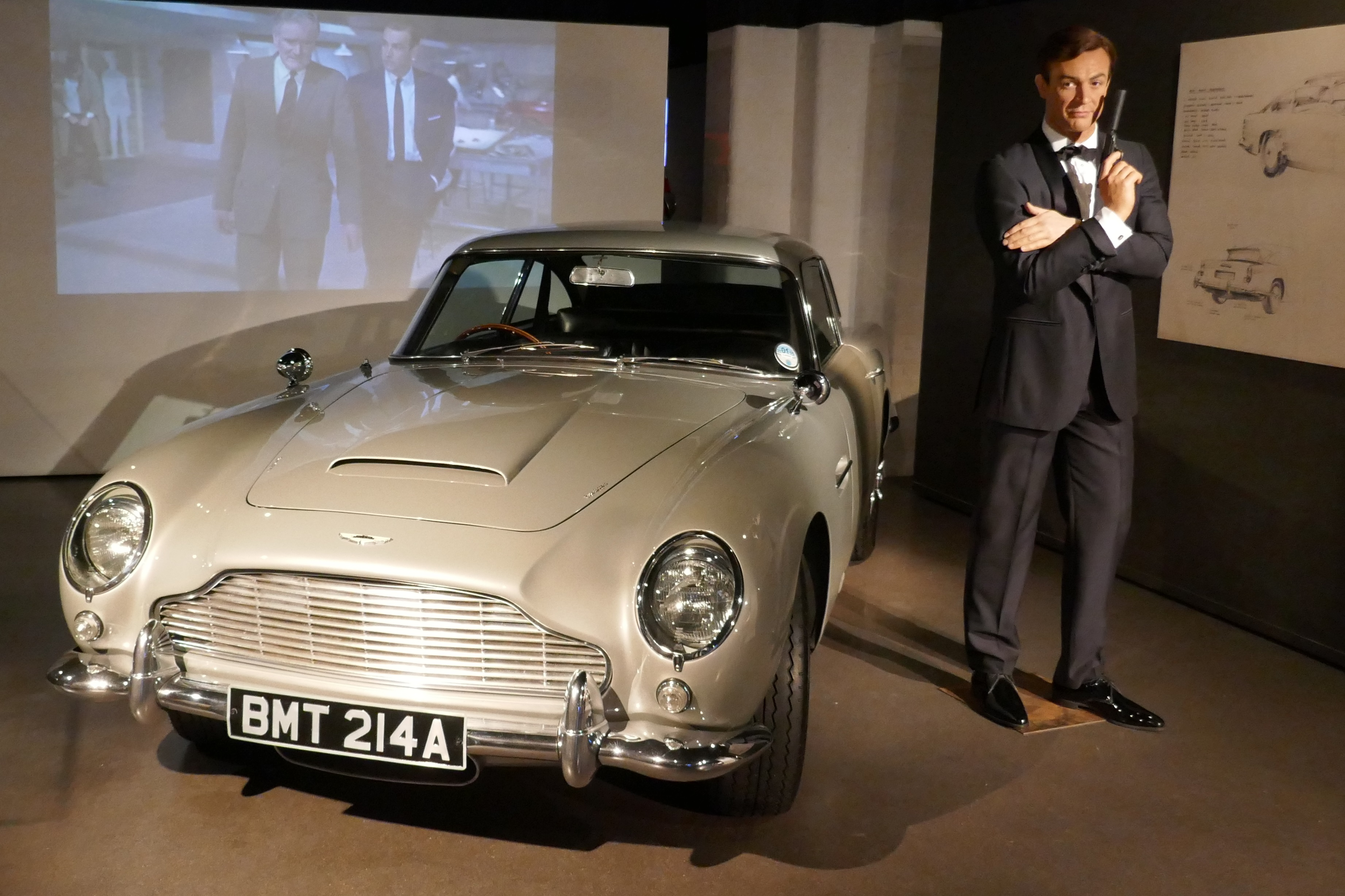 File Goldfinger Aston Martin Db5 Sean Connery Jpg Wikipedia