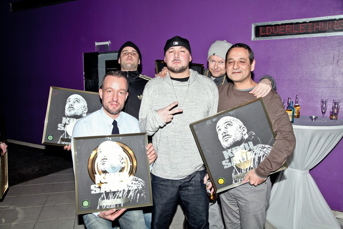 Goldverleihung des Albums Aura - 2