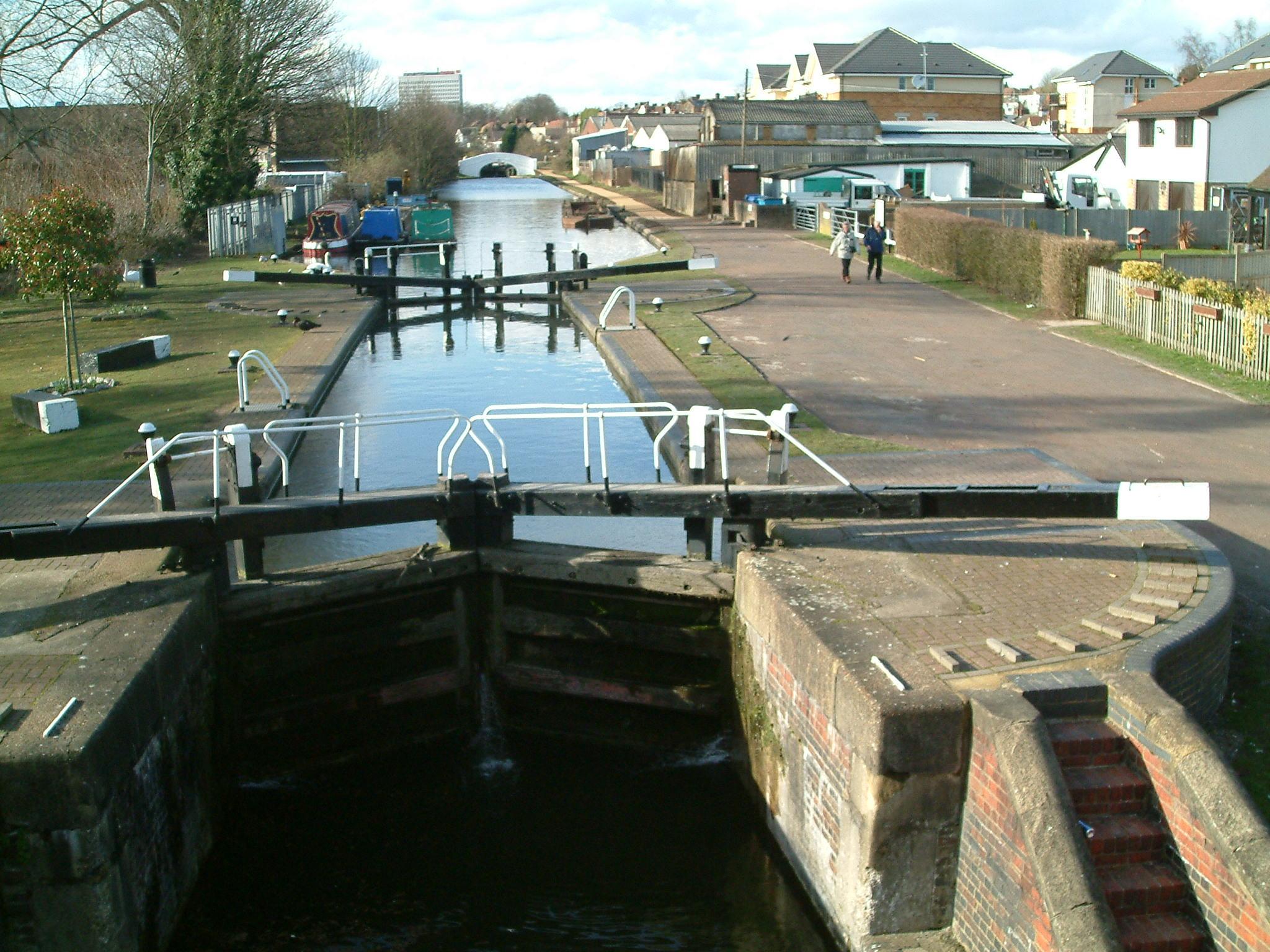 File Grand Union Canal Aplsey Lock 1 Jpg Wikimedia Commons