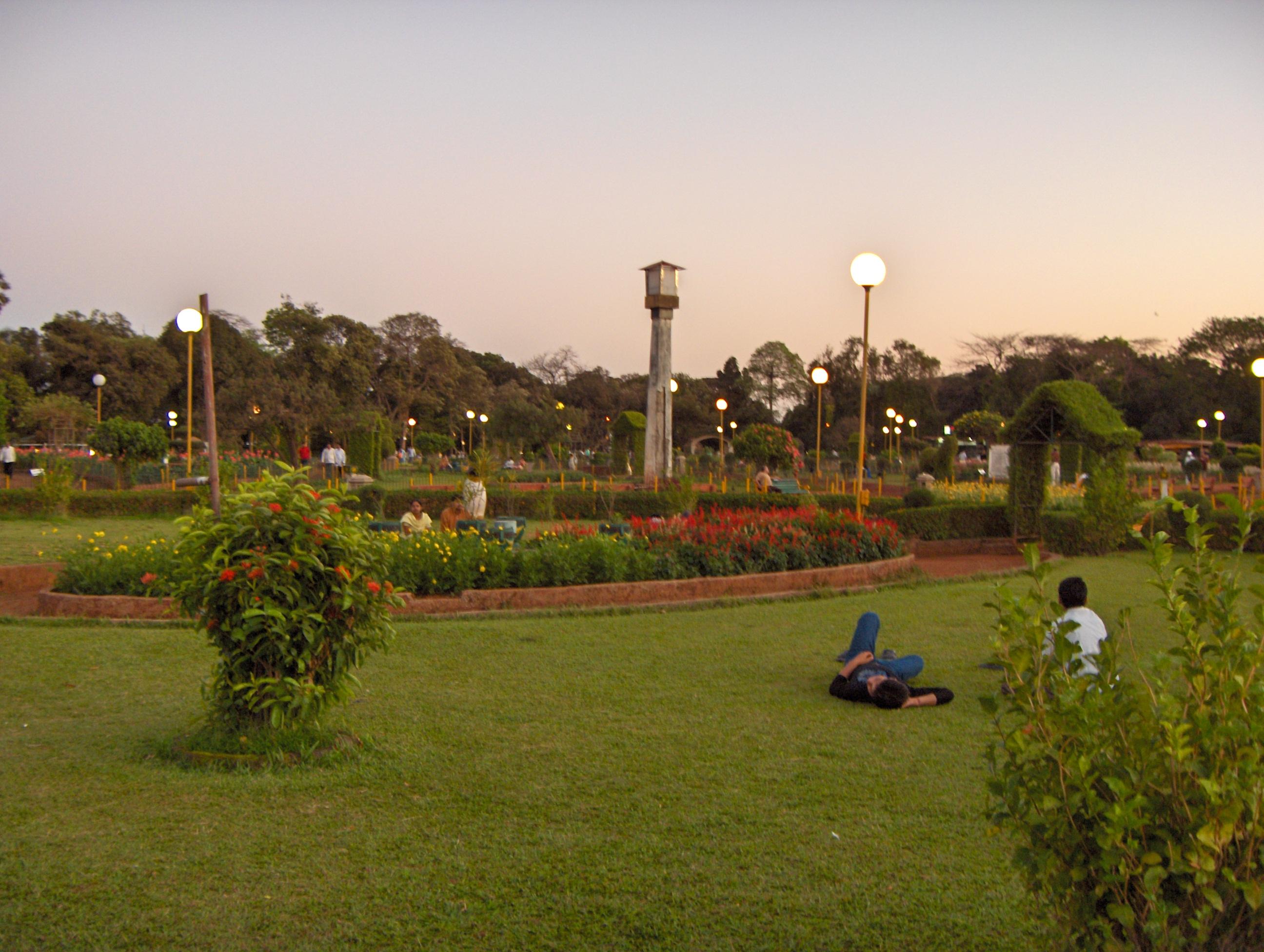 Hanging Gardens Of Mumbai Mapio Net