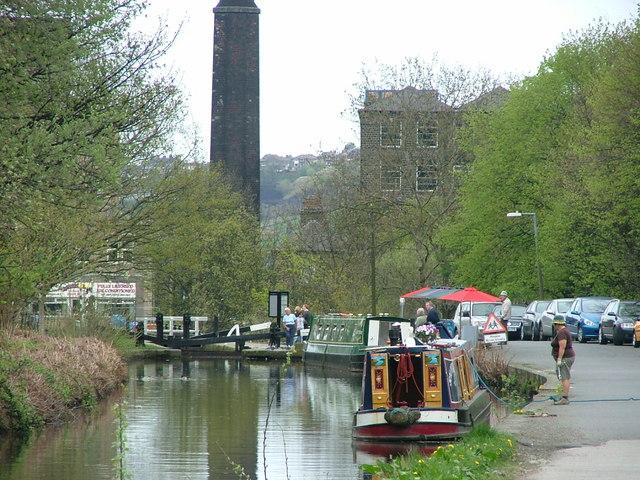 Huddersfield Canal, Slaithwaite - geograph.org.uk - 165031