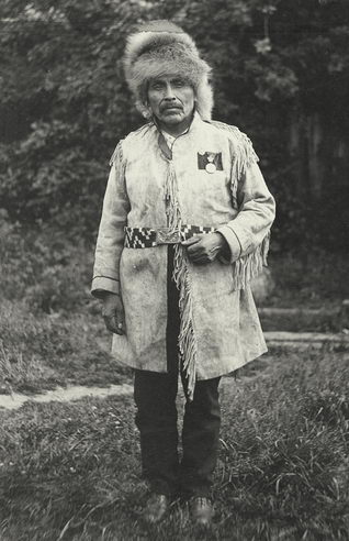 In 1906, Joe Capilano traveled with Cowichan C...
