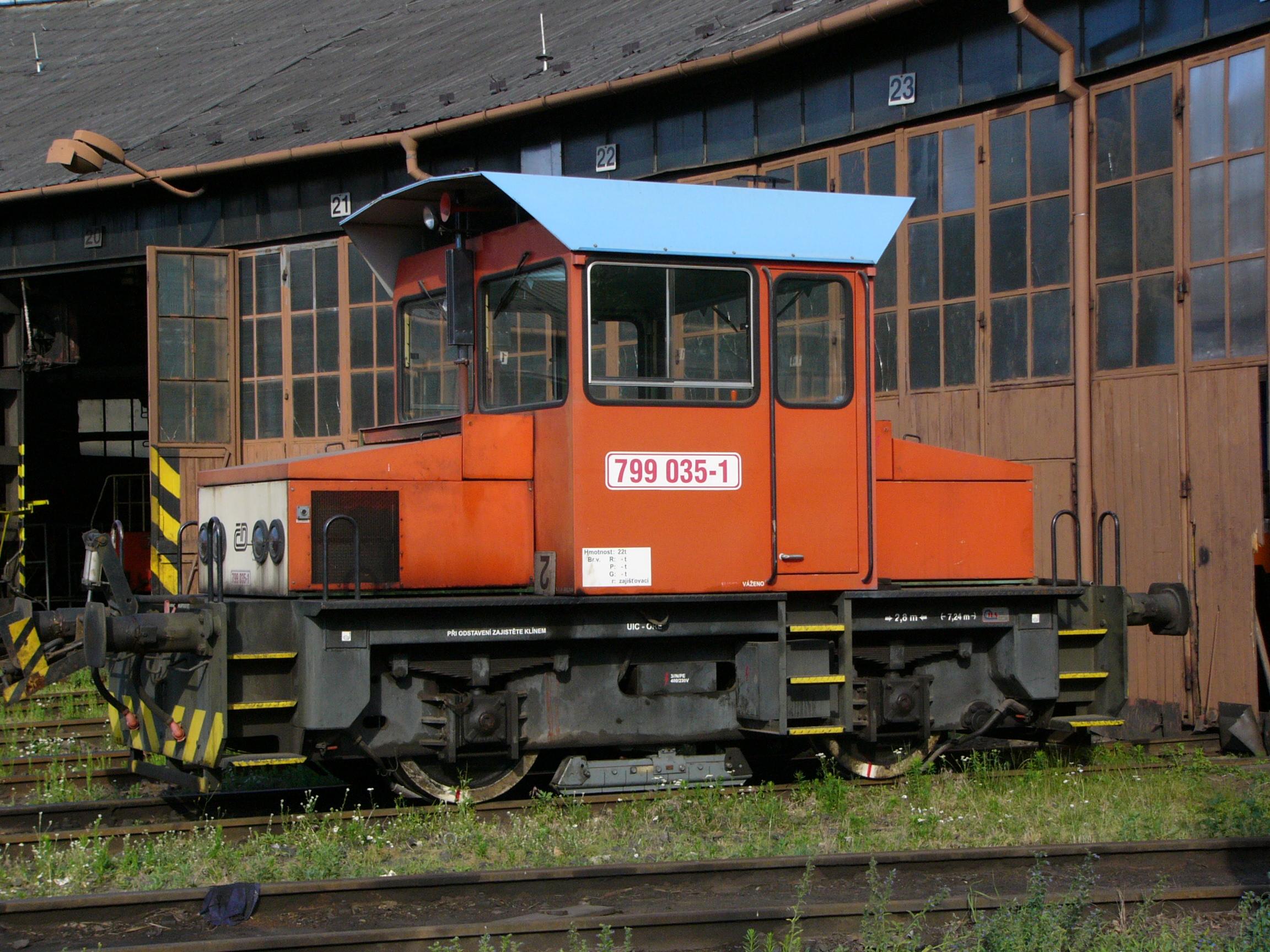 File:Lokomotiva 799 035-1.jpg