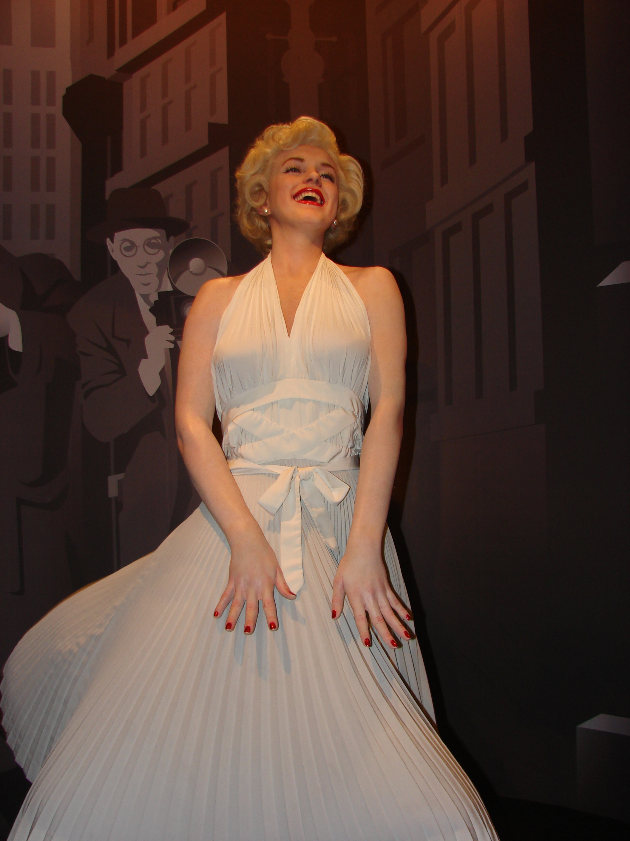 b3734dfdc File:Marilyn Monroe Wax Statue in Madame Tussauds London.jpg ...