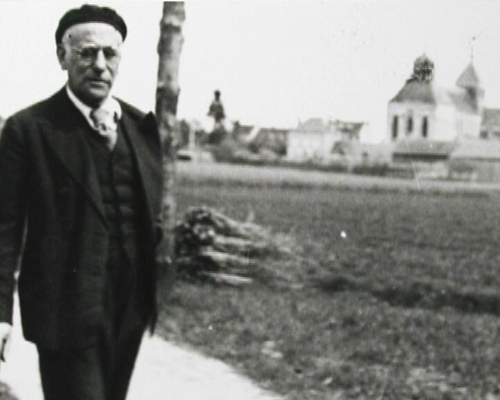 Le poète et écrivain MAX JACOB arrêté à SAINT BENOIT SUR LOIRE le 24 Février 1944 Max_Jacob_Abbaye_de_Saint-Beno%C3%AEt-sur-Loire_2