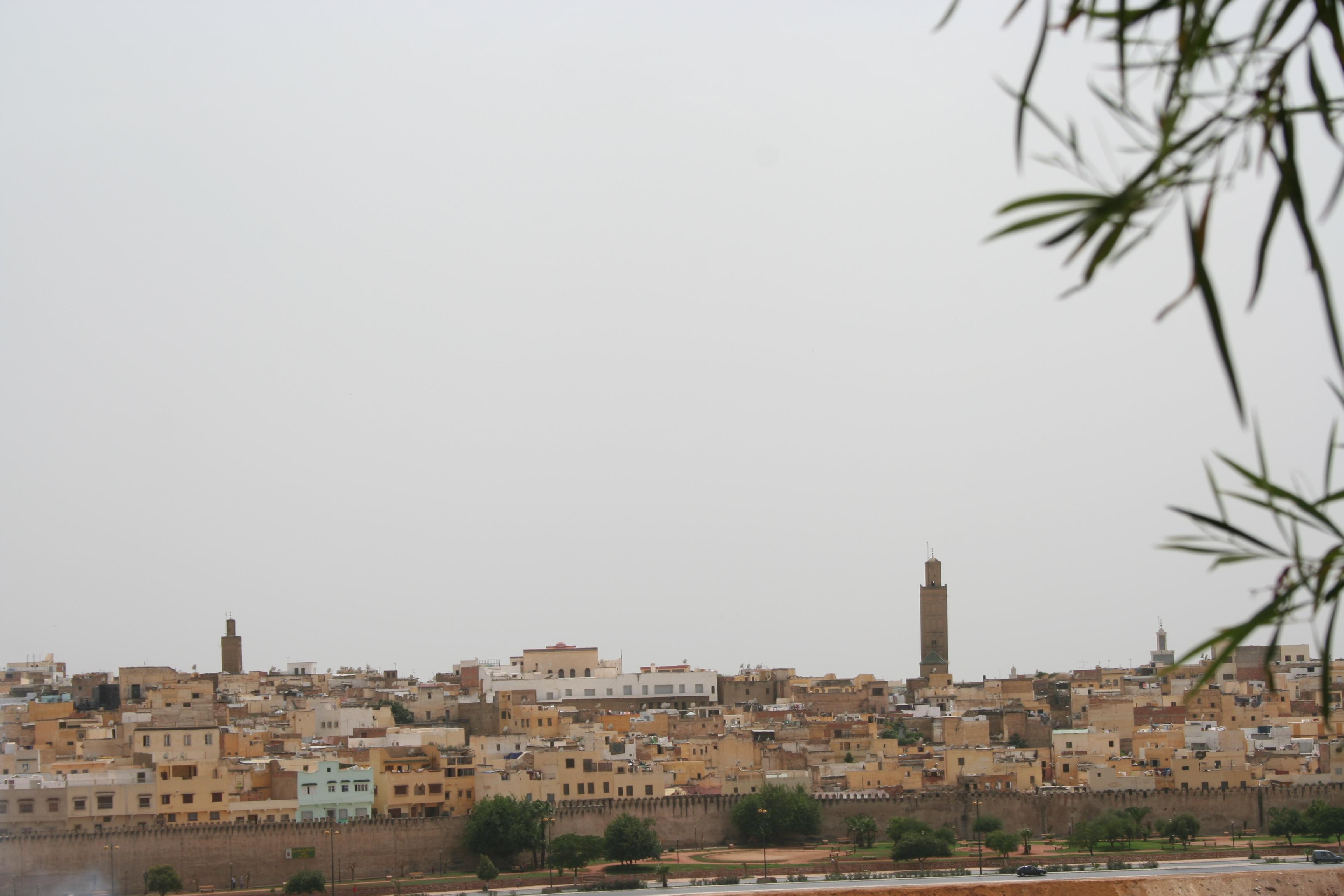 اكتشف المغرب في عشر دقائق  من أمواج الاندلس Meknes_paesaggio_3