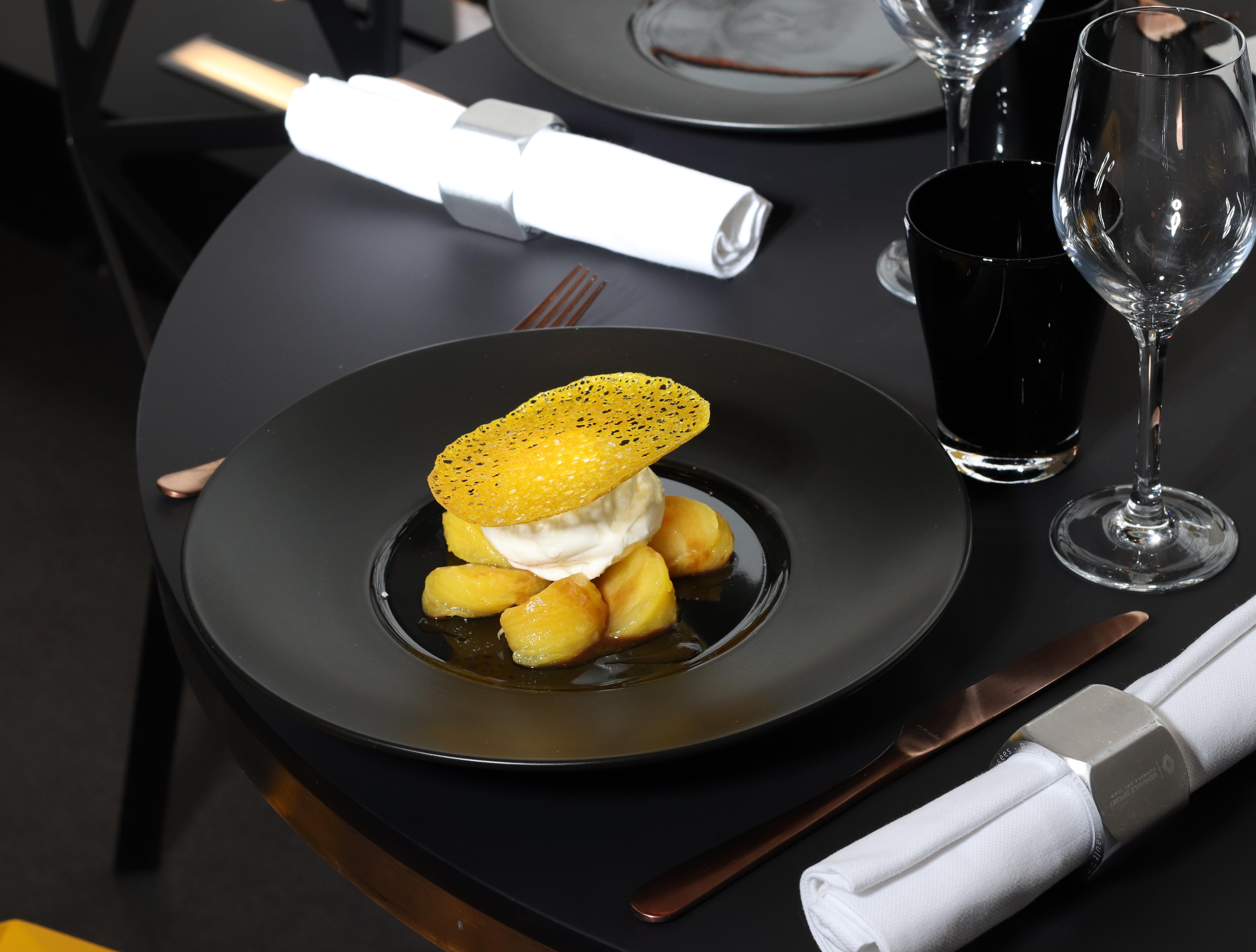 File Menu Entree Au 53 Restaurant Bar By L Atelier Renault A Paris