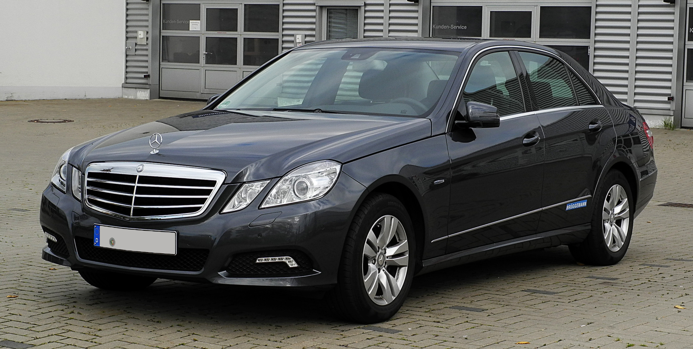 File mercedes benz e 200 cgi blueefficinecy avantgarde w for Mercedes benz in charlotte