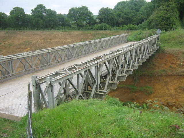 File:Metal footbridge over Sand Quarry - geograph.org.uk - 1325566.jpg
