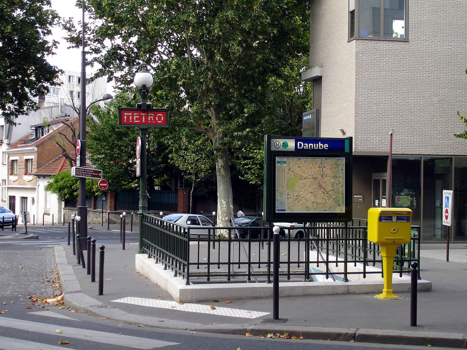File:Metro de Paris - Ligne 7bis - Danube 01.jpg - Wikimedia Commons