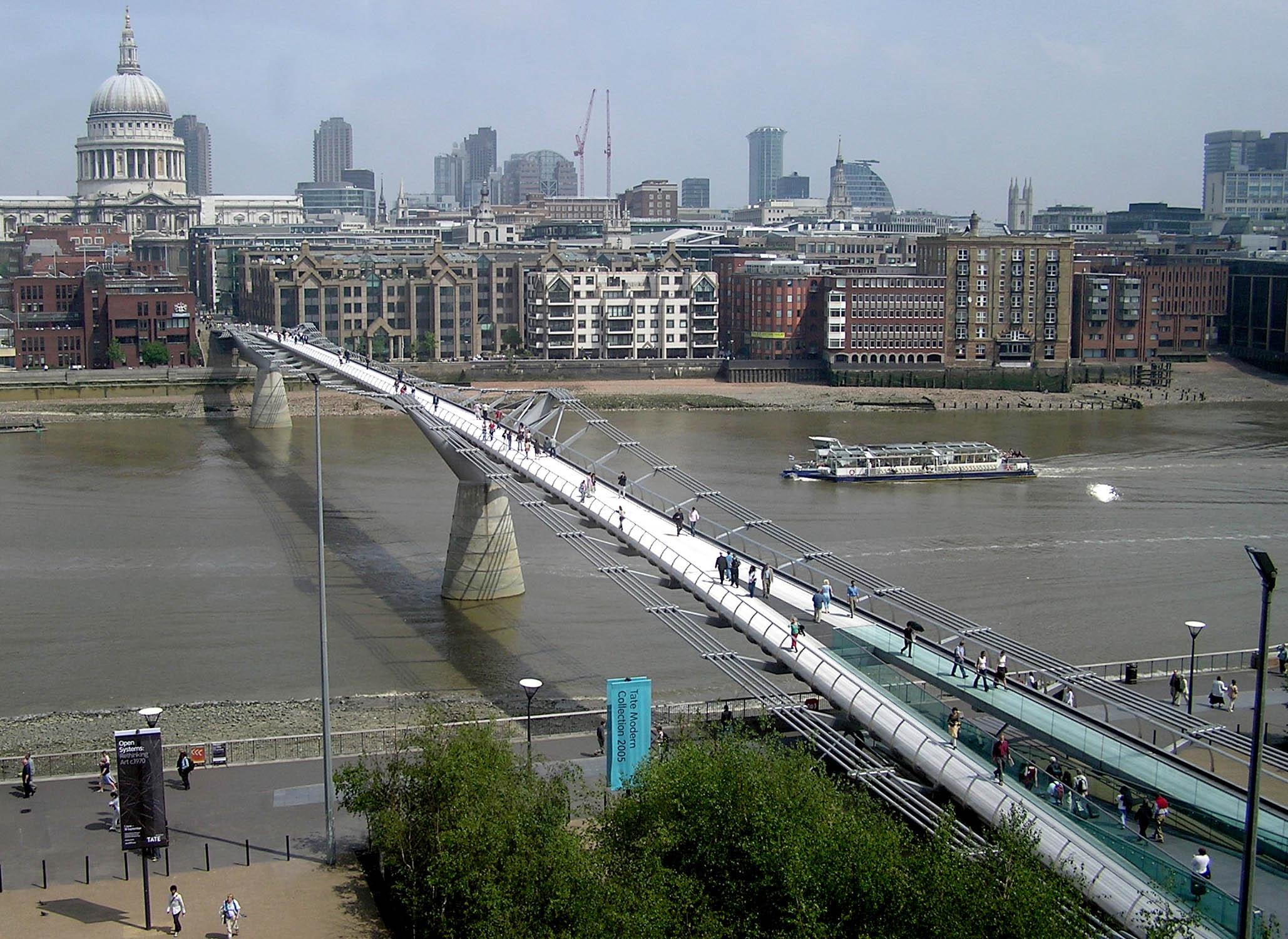 Why did the london millennium bridge 39 wobble 39 for Design bridge london