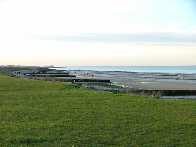 Minnis Bay looking towards Reculver towers - geograph.org.uk - 322239