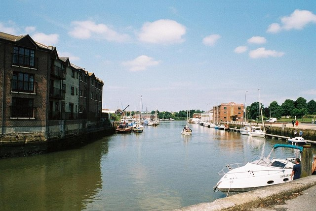 Newport, Medina Quay - geograph.org.uk - 644585