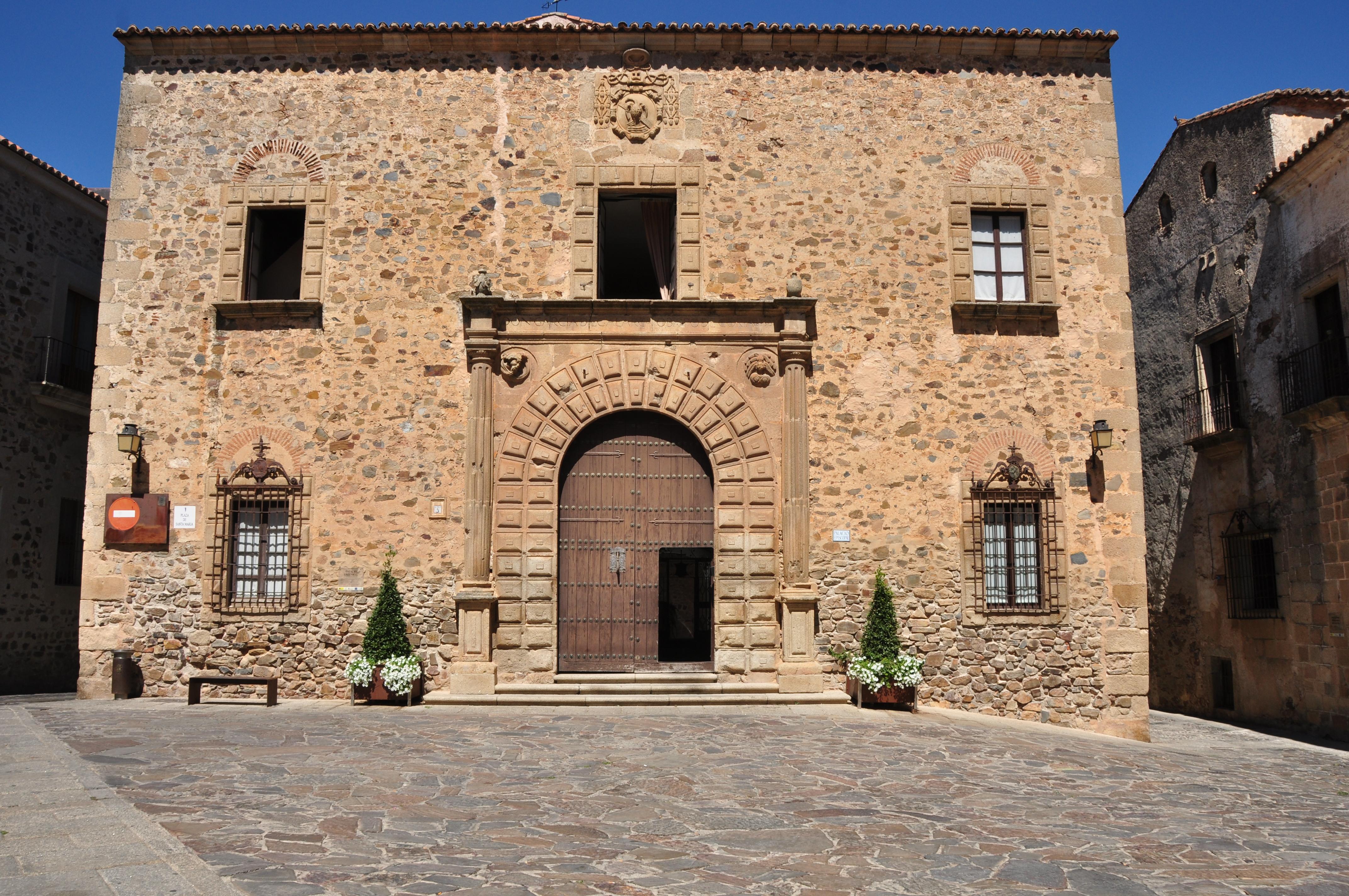 Palacio Episcopal de Cáceres - Wikipedia, la enciclopedia libre