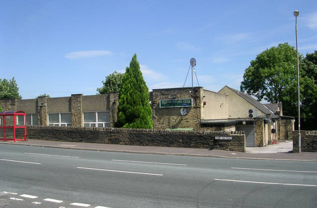Pellon Social Club - Moor End Road - geograph.org.uk - 868026