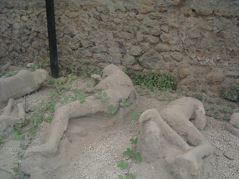 File:Pompeji schlafende SaE.jpg