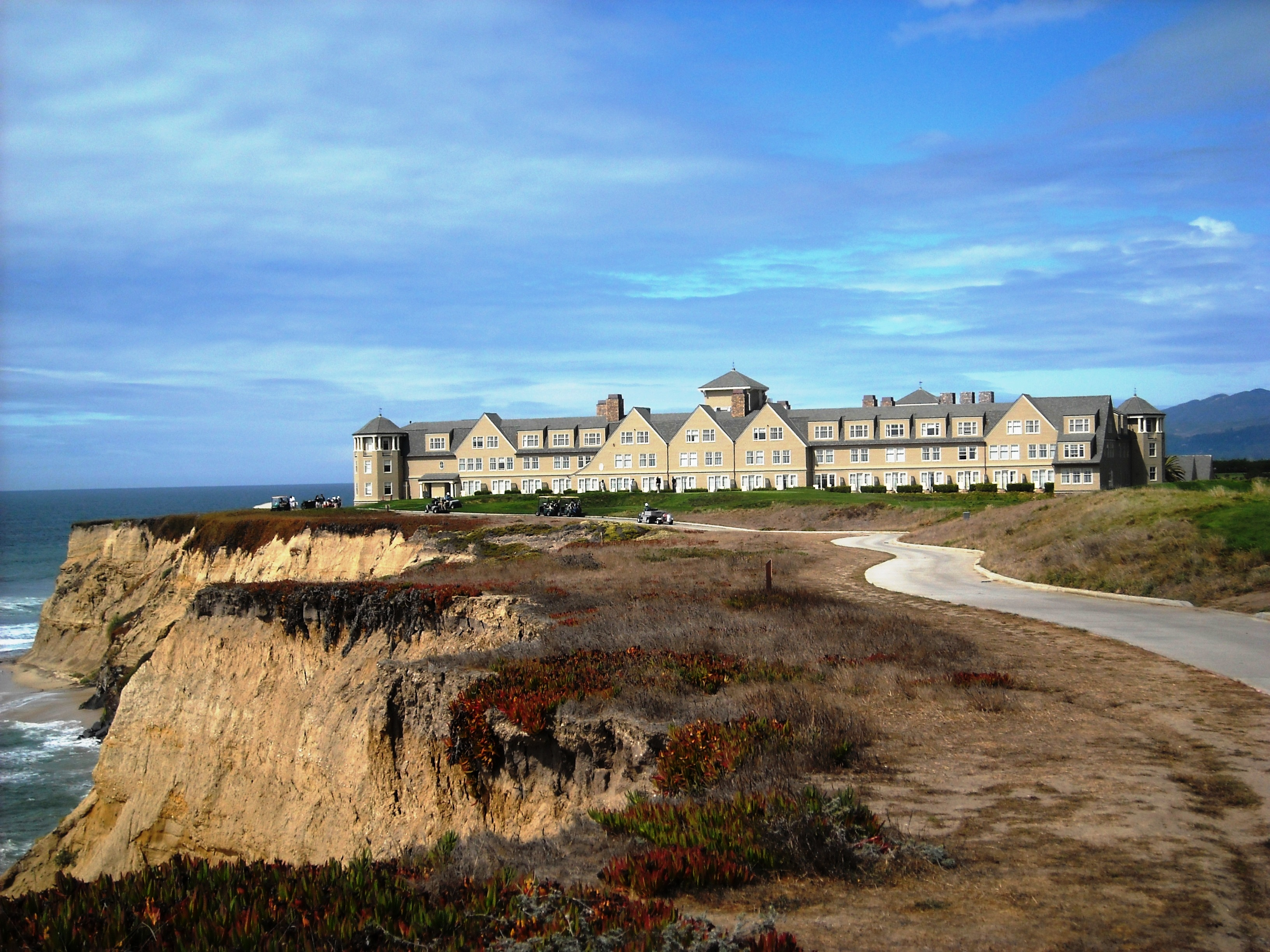 Ritz-Carlton_in_Half_Moon_Bay%2C_California.jpg